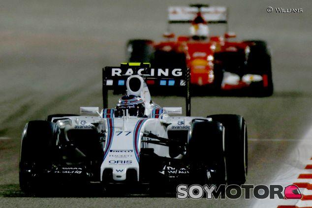 Valtteri Bottas y Sebastian Vettel en el pasado Gran Premio de Baréin - LaF1
