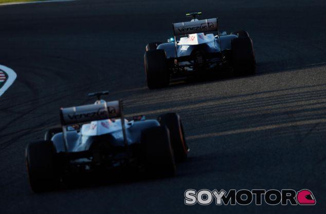 Pastor Maldonado y Valtteri Bottas en Suzuka - LaF1