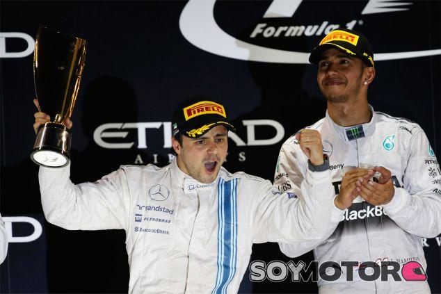 Valtteri Bottas en el podio de Abu Dabi - LaF1