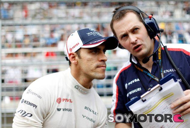 Pastor Maldonado en la parrilla de salida de Corea - LaF1