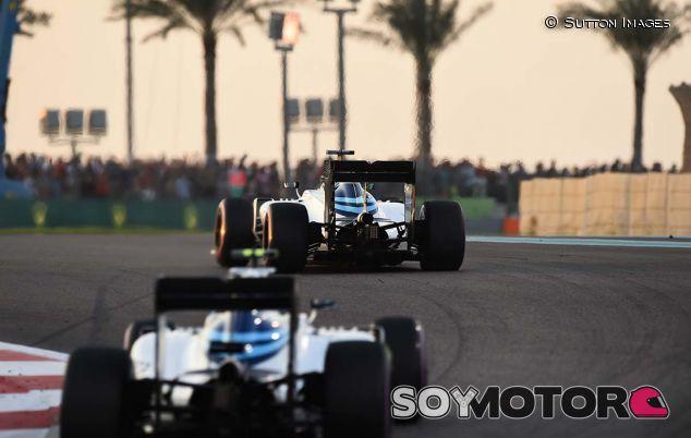 Felipe Massa y Valtteri Bottas en Abu Dabi 2016 - SoyMotor