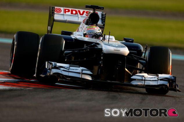 Pastor Maldonado domina su FW35 en el Yas Marina - LaF1