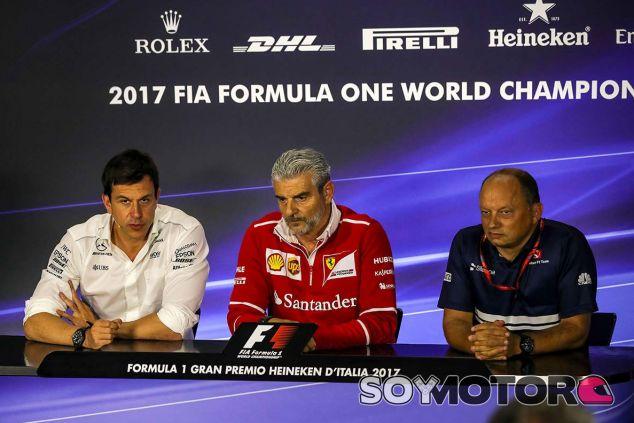 Toto Wolff, Maurizio Arrivabene y Fréderic Vasseur en Monza - SoyMotor.com