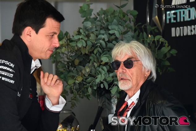 Ecclestone ve improbable la creación de una categoría paralela a la Fórmula 1 - SoyMotor.com