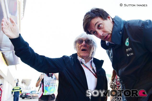 Bernie Ecclestone y Toto Wolff - SoyMotor