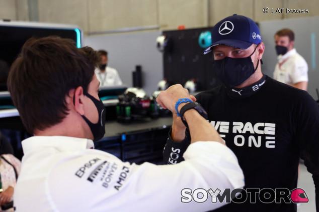 """Wolff y el futuro de Bottas: """"Si no sigue en Mercedes, le ayudaré a buscar equipo"""" - SoyMotor.com"""