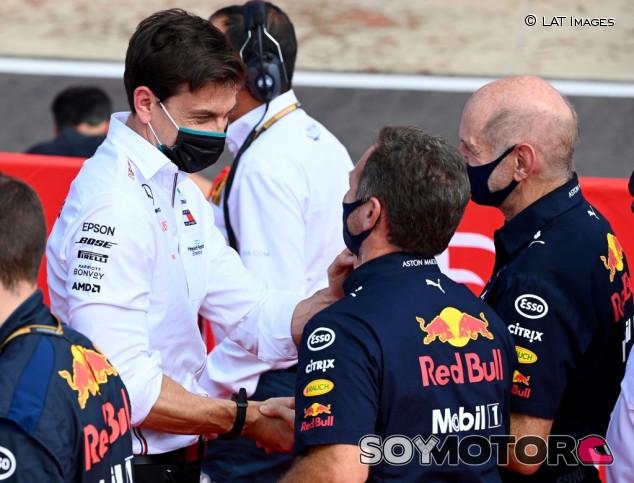 Mercedes 'tira la toalla' coon la congelación de motores tras el 'no' de Renault y Ferrari - SoyMotor.com