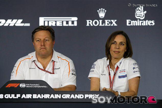Zak Brown y Claire Williams en Baréin - SoyMotor.com