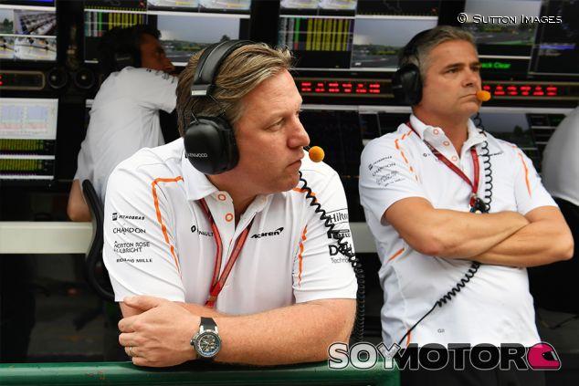 Zak Brown y Gil de Ferran en Hungaroring - SoyMotor.com