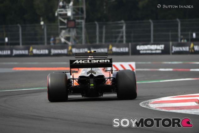 Vandoorne durante el GP de México 2017 - SoyMotor.com