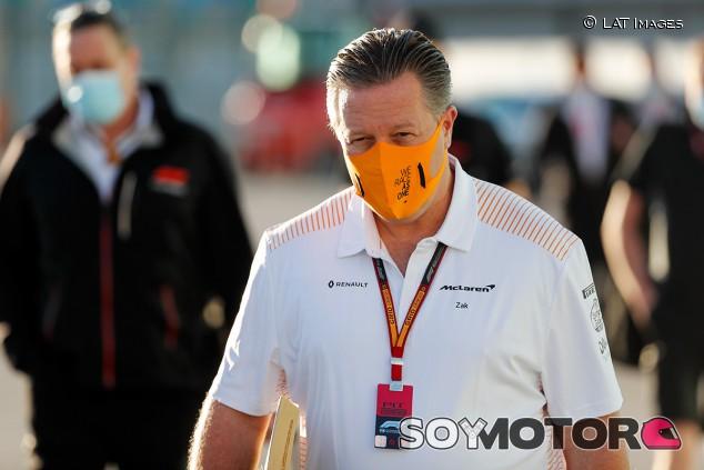 """Dardo de Brown a Racing Point: """"Quizás el médico de Stroll es el Dr. Mallya"""" - SoyMotor.com"""
