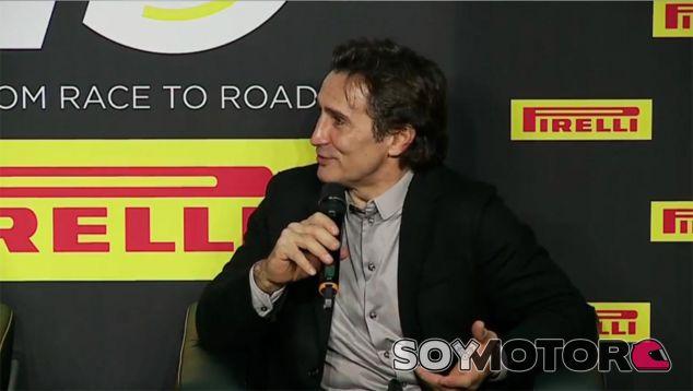 Alex Zanardi en la presentación de Pirelli - SoyMotor