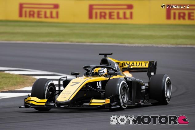 Pole y récord de Silverstone para Guanyu Zhou - SoyMotor.com