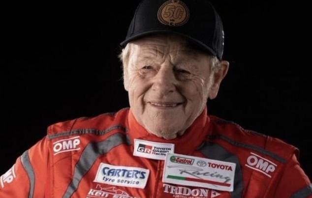 Ken Smith, el piloto incombustible a sus casi 80 años - SoyMotor.com
