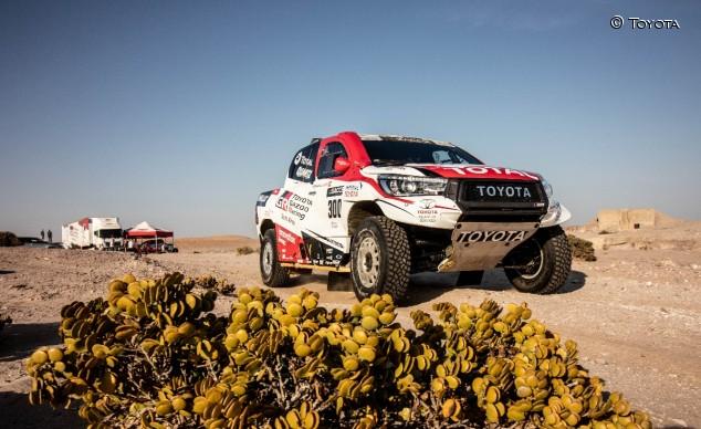 Fernando Alonso con el Toyota Hilux en Namibia - SoyMotor