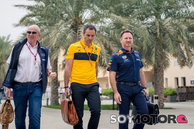 Red Bull, ¿condenados a entenderse con Renault? - SoyMotor.com