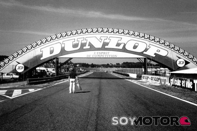 Circuito Nogaro : Puente dunlop en el circuito de nogaro soymotor
