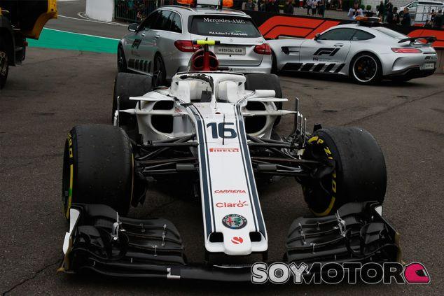 Halo dañado del C37 de Charles Leclerc tras el accidente de Spa - SoyMotor.com
