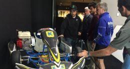 Sainz visitó el museo de Fernando Alonso en La Morgal