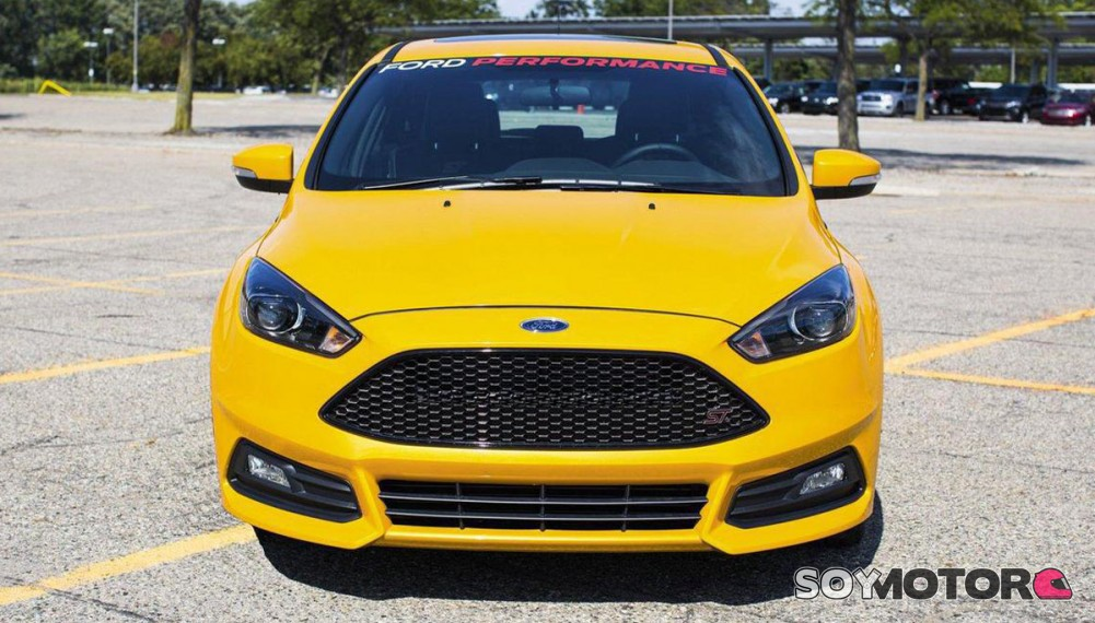 ford focus st 2015 picante 39 made in mountune 39. Black Bedroom Furniture Sets. Home Design Ideas