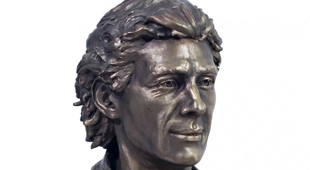 Escultura de Ayrton Senna estará en el Museo Vaticano