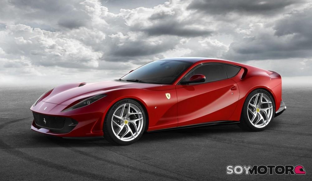 Ferrari 812 Superfast: La excelencia del V12 atmosférico
