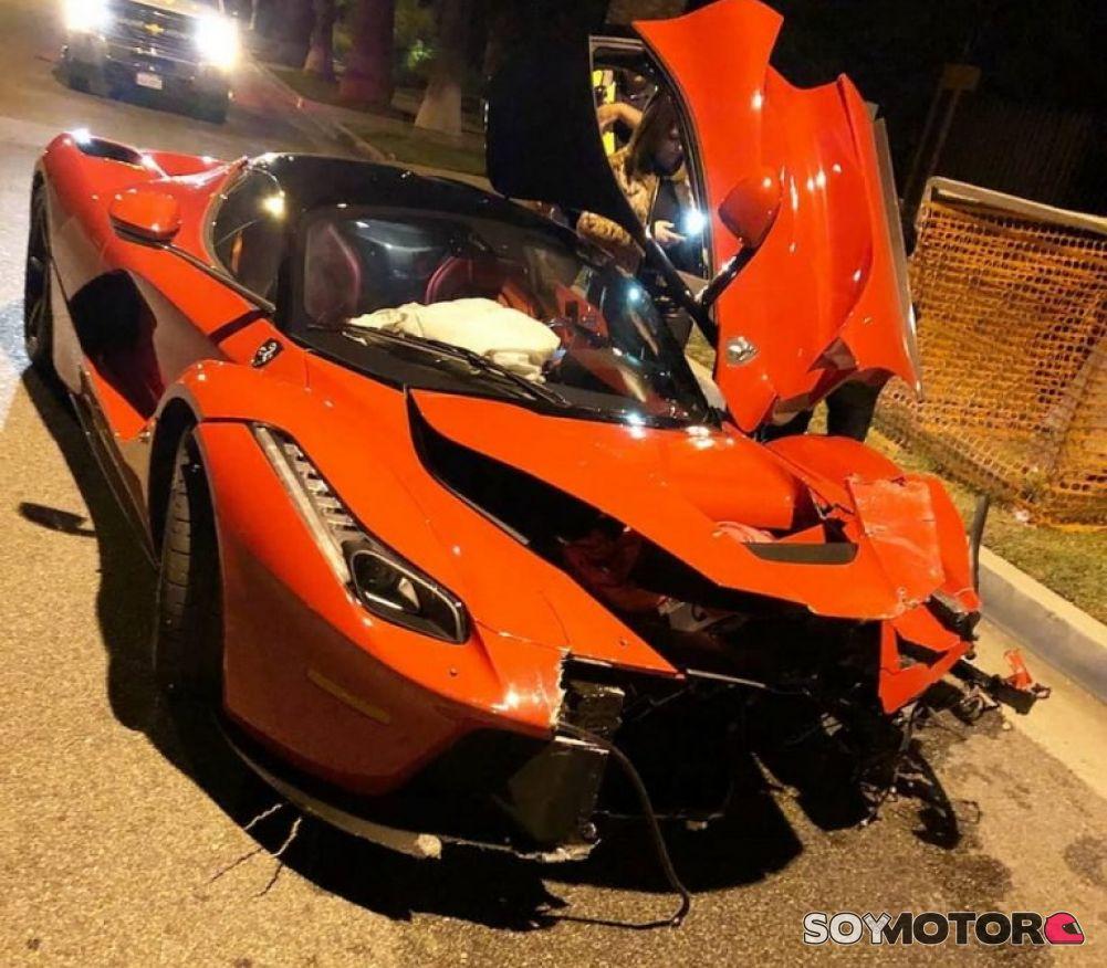 Un Ferrari Laferrari Accidentado En Beverly Hills Soymotor Com