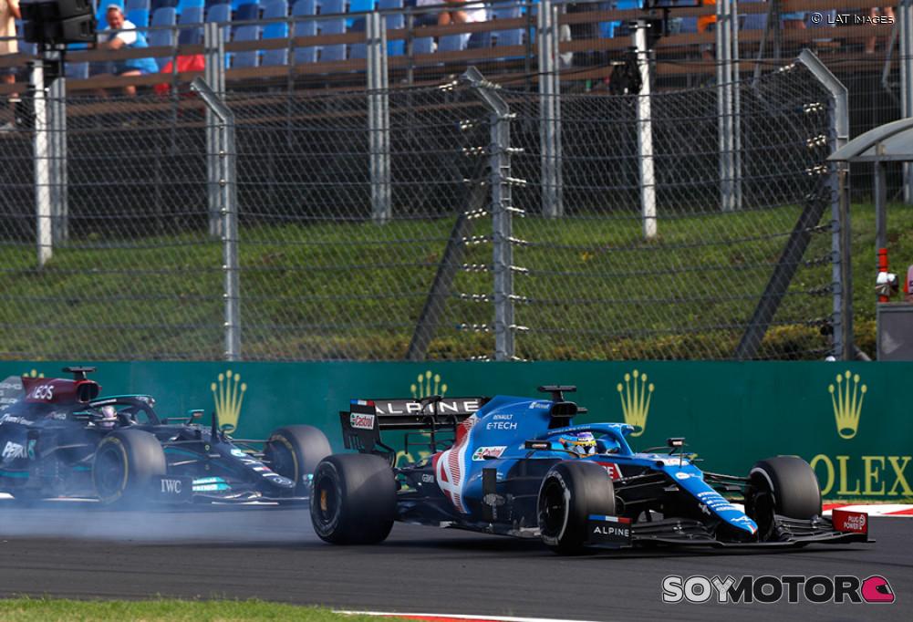 """Alonso y la batalla con Hamilton: """"Siempre se queja""""   SoyMotor.com"""