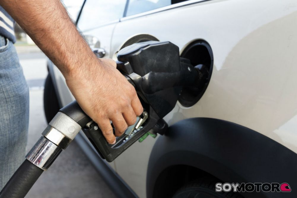 89d8ae33fdbf Israel le declara la guerra al petróleo al pretender prohibir la venta de  coches de gasolina y Diesel en 2030
