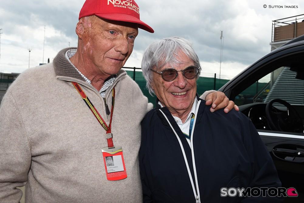Sitio Oficial: El último adiós a Lauda | Revista CORSA