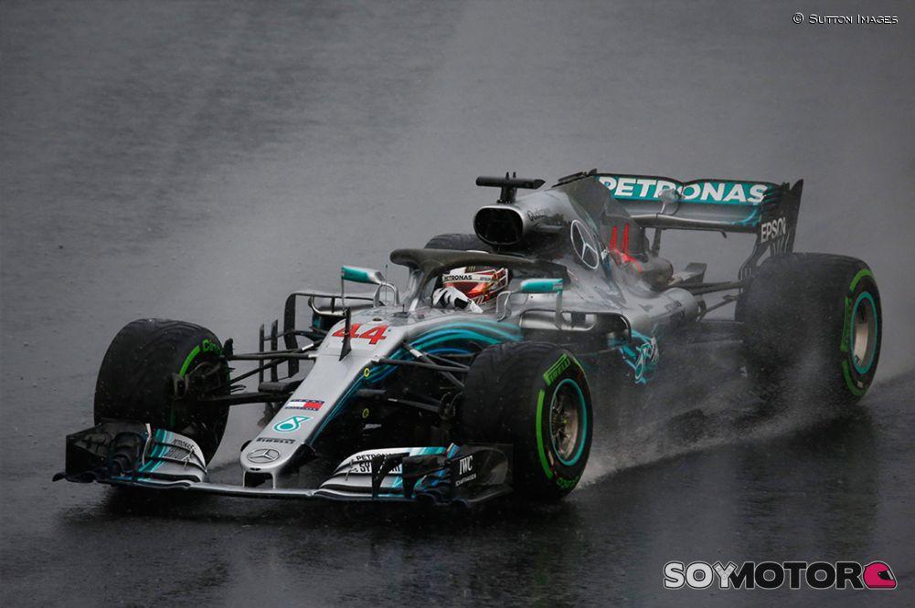 Hamilton refuerza su liderazgo al ganar por quinta vez en Hungría