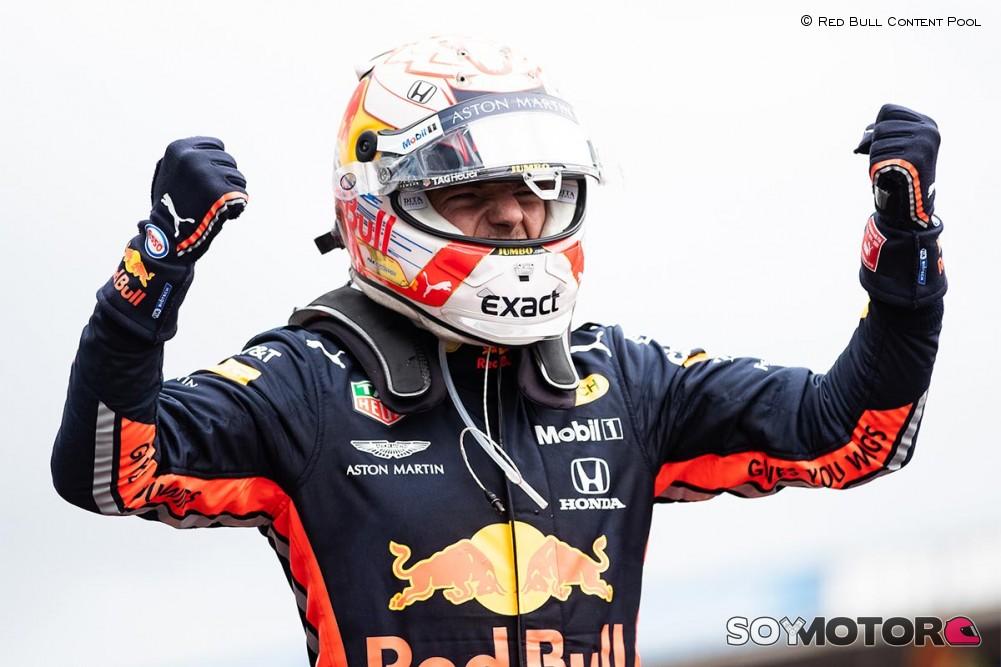 Mente fría de Verstappen en la lluvia de Alemania, Sainz 5º