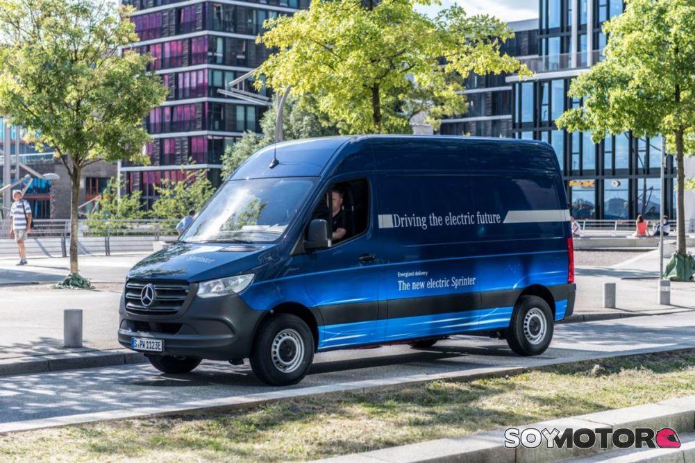 ¿Posible colaboración de Daimler y Tesla para lanzar una Sprinter eléctrica?