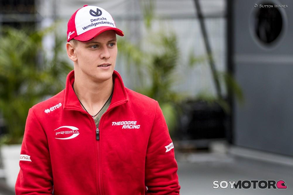 Mick Schumacher, cerca de Ferrari