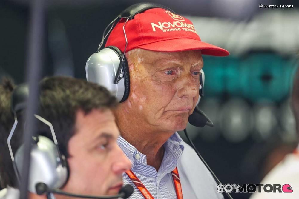 Niki Lauda fue hospitalizado nuevamente y preocupa su salud