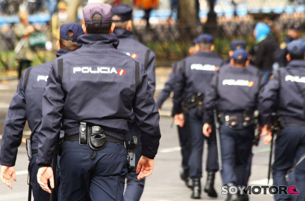 La Policía Nacional desmantela una trama de corrupción en la DGT ...