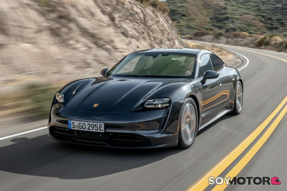 Así es el interior del nuevo Porsche Taycan 2020: Un nuevonce futurista