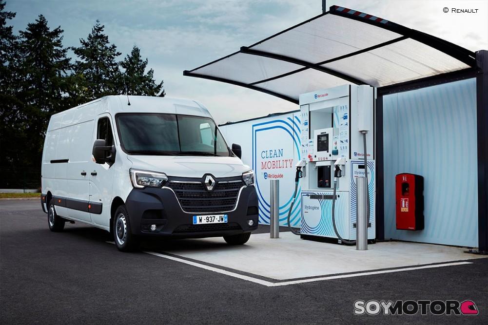 Las furgonetas eléctricas de Renault estrenan un extensor de autonomía... ¡de hidrógeno!