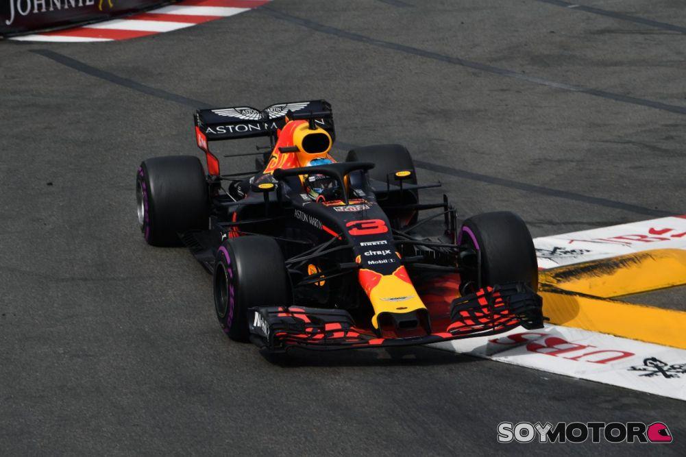 Verstappen marcó de nuevo el mejor tiempo en los entrenamientos