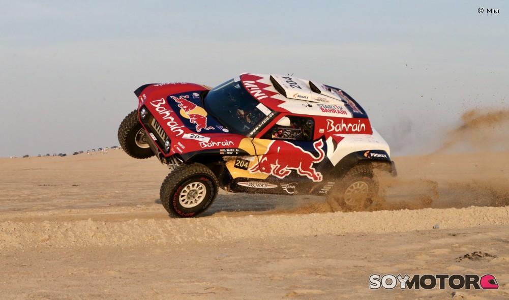 El Dakar, listo para dejar huellas en la arena saudí - Deportes