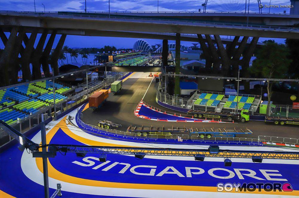 Raikkonen dominó los ensayos en Singapur