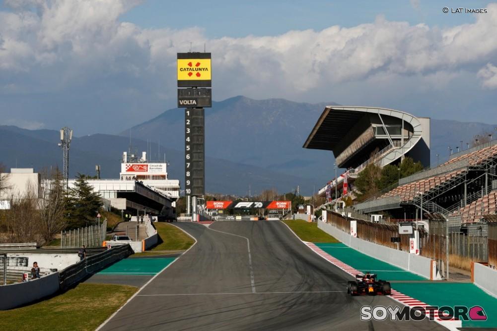 Checo Pérez, dentro del top ten en las prácticas libres; Mercedes domina