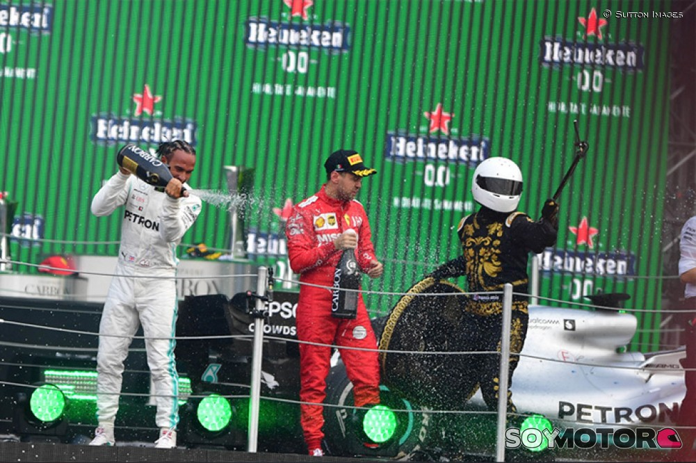 Vettel criticó a 'Mario-Achi' y los trofeos del GP de México