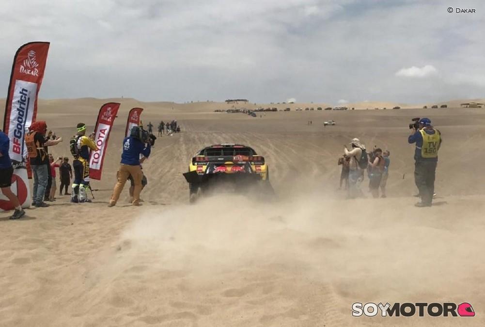 El rally Dakar emprende su vuelta hacia Lima con todo por decidir