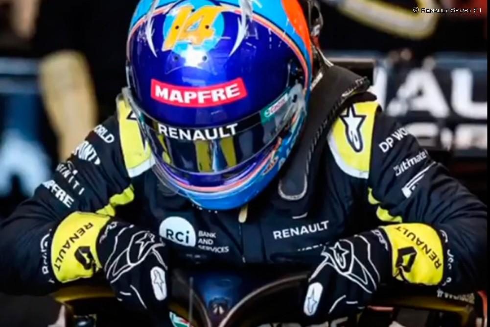 Alonso se baja del Renault RS20 - SoyMotor.com