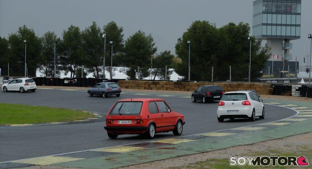 Desfile GTI en el circuito del Jarama