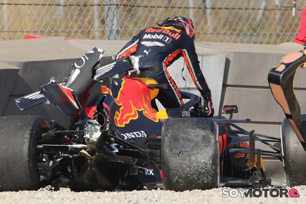 https://soymotor.com/sites/default/files/styles/mega/public/node_gallery/gasly-accidente-test-pretemporada-2019-2-soymotor.jpg?itok=zq7vuEPO
