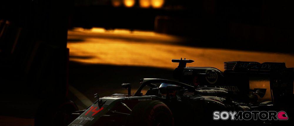 Alonso se estrenó con el halo - LaF1