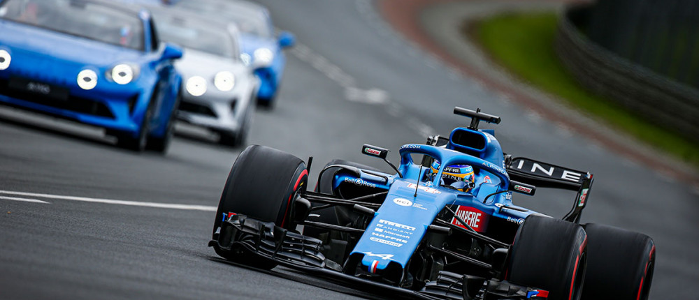 FOTOS: el desfile de Alonso y Alpine en Le Mans - SoyMotor.com
