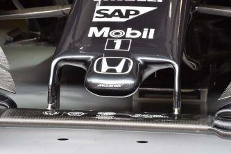 Detalle del nuevo morro del McLaren MP4-30 - LaF1